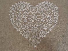Source by mariesabel Embroidery On Clothes, Embroidered Clothes, Embroidery Patterns, Hand Embroidery, V Stitch, Cross Stitch Heart, Point Lace, Christmas Cross, Embroidery Techniques