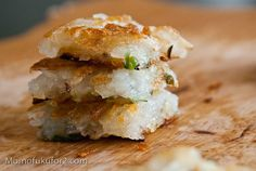 Scallion Potato Cake Recipe adapted from Thomas Keller's Ad Hoc at Home Veggie Recipes, Cake Recipes, Savoury Recipes, My Favorite Food, Favorite Recipes, Thomas Cakes, Thomas Keller, Potato Cakes, Savory Breakfast