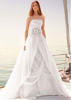 fab267ca7f Magbridal Elegant Organza Strapless Neckline Ball Gown Wedding Dresses With  Handmade Flowers