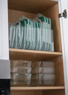 Traditional Home Decor A Mix of Min shares tips on organizing your kitchen with products from The Container Store. Home Decor A Mix of Min shares tips on organizing your kitchen with products from The Container Store. Kitchen Organization Pantry, Home Organisation, Diy Kitchen Storage, Kitchen Pantry, Organization Store, Organization Ideas For The Home, Kitchen Backsplash, Organised Kitchen Diy, Organized Home