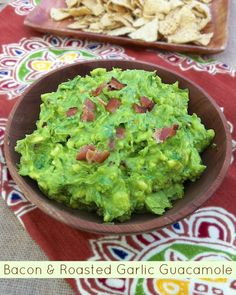 What the whaaat? Bacon Roasted Garlic Guacamole | Teaspoonofspice.com
