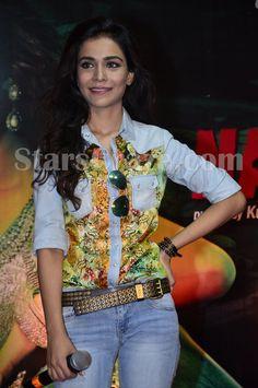 Emraan Hashmi and Humaima Malick launch 'Flip Your Collar Back' Song | StarsCraze