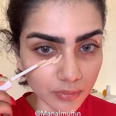 Rote Lippen und funkelnde Augen Make-up-Look ist alles, was wir brauchen! Lippen tips for teens tips in tamil tips tricks for face for hair for makeup for skin Sparkly Eye Makeup, Glam Makeup Look, Red Lip Makeup, Gorgeous Makeup, Love Makeup, Skin Makeup, Eyeshadow Makeup, Beauty Makeup, Red Makeup Looks