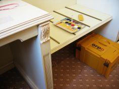 Doktor interiéru - Oprava odřených hran nábytku, oprava odloupnuté barvy, oprava vrypů, dokreslení linek, obnova laku, #oprava, #lakování, #dveře, #zárubně, #obložky, #repair, #Instandsetzung, #Reparatur, #furniture, #Möbel