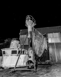 Calypso. Dernier hommage à cette célèbre épave, hébergée depuis presque dix ans par les chantiers PIRIOU à Concarneau, avant son départ pour la Turquie où elle sera (devrait ?) être rénovée.