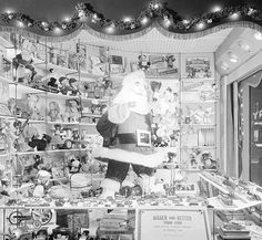 Foley's Christmas windows in downtown Houston in the 1950s - Houston History | Examiner.com