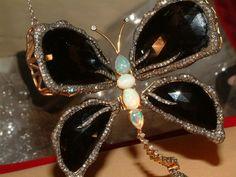 WOW 18 Carat Gold Hugh Opal Diamond Onyx Movebale Butterfly Pendant $ 7,643