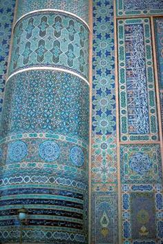 The Masjid-e-Jami (Friday Mosque), one of the finest Islamic buildings in the world, is a dazzling work of art. Its walls are covered in ceramic mosaic tiles with geometric motifs and verses from the Holy Qur'an. Photo by Ludo Kuipers 1973. Herat, western Afghanistan.
