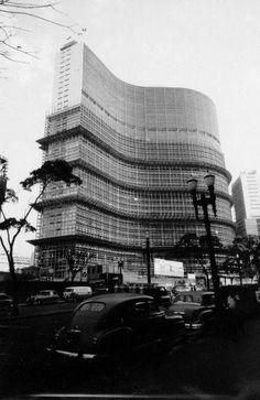 Edificio Copan, Sao Paulo, Oscar Niemeyer, 1951-66                      Edificio Copan, Sao Paulo, Oscar Niemeyer, 1951-66