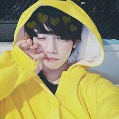 ✿ Icons Tumblr, para você por no seu perfil de qualquer rede sociais ✿  Compartilhando Fotos ☆ Korean Boys Ulzzang, Cute Korean Boys, Ulzzang Couple, Ulzzang Boy, Asian Boys, Asian Men, Tumblr Boys, Beautiful Boys, Pretty Boys