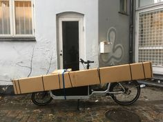 My loved Bullitt full of Festool goodies, can't wait for unpacking. Cargo Bike, Bicycles, Larry, Baby Strollers, Goodies, Canning, Baby Prams, Sweet Like Candy, Gummi Candy