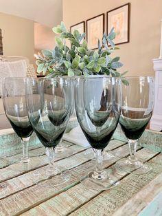 Fostoria Debutante Gray set of Six Water Goblet / Large Wine Glass Gray Bowl Multisided Clear Stem Mid Century Modern Wedding TYCAALAK