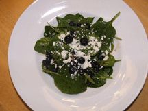 Spinach salad with blueberries and feta cheese.made this last night, delish! Spinach And Feta, Spinach Salad, Decadent Food, Rabbit Food, How To Make Cheese, Dressing Recipe, Balsamic Vinegar, Maple Syrup, Blueberries