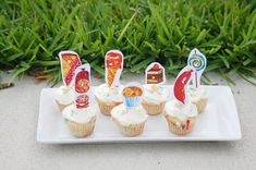 From Invites To Favor Tags, This Round Up Of Very Hungry Caterpillar Free Printables Has You Covered With So Many Cute Details! The Hungry Caterpillar Story, Very Hungry Caterpillar Printables, Hungry Caterpillar Cupcakes, Hungry Caterpillar Activities, Bear Activities Preschool, Activities For Autistic Children, Free Printable Invitations, Free Printables, Cupcake Toppers Free