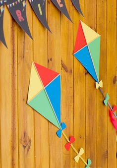 Festinha infantil, Pipa, Marcia Mesquita, Decoração festa de c Kite Decoration, Ballon Decorations, Class Decoration, Birthday Decorations, Diy And Crafts, Crafts For Kids, Arts And Crafts, Paper Crafts, Kite Party