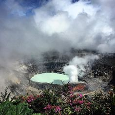 Poas Volcano #costarica #ig_costarica #centralamerica #yol #yolculuk #macera #gezgin #hurriyetseyahat #cokgezenlerkulubu #zamanidurdur #aniyakala #objektifimden #travelblog #instago #instalike #craterlake #volcano #instago #instagram #travel #tatil #instafollow #instaflower #followme #amazing  #flowers #magic #foggy #travelblog #gununfotografi #gununkaresi by tatligezgin