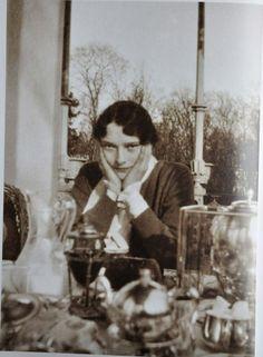 Tatiana, Breakfast on Balcony of AP: 1917.