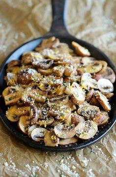 Baked Parmesan Mushroomshttp://damndelicious.net/2014/03/26/baked-parmesan-mushrooms/