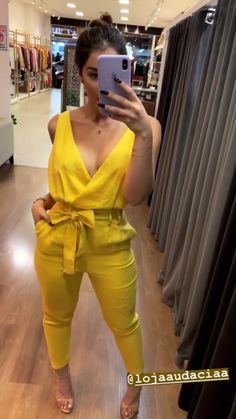 Classy Outfits, Stylish Outfits, Girl Fashion, Fashion Outfits, Womens Fashion, African Fashion Dresses, Look Chic, Casual Looks, Ideias Fashion