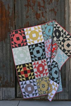 Sharing this quilt using Milk Sugar Flower by
