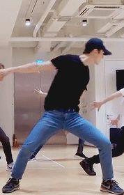 セフン — sehun - the eve dance practice Chanyeol, Exo Kai, Kpop, Got7, Exo Imagines, Sehun Cute, Hyun Kim, Gif Dance, Exo Members