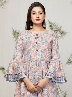 New stylish and trendy kurti neck designs - ArtsyCraftsyDad Sleeves Designs For Dresses, Dress Neck Designs, Blouse Designs, Pakistani Dress Design, Pakistani Dresses, Indian Dresses, Stylish Dresses, Fashion Dresses, Trendy Kurti