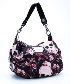 I loves me some Betseyville. I got one coming my way.  Can't wait till I get it.
