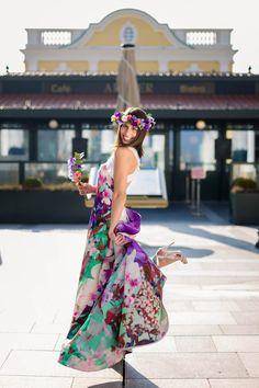 Frühlingsfest im McArthurGlen Designer Outlet Parndorf am . Trends, Summer Hats, Summer Nights, Sport, Designer, Branding Design, Stylish, Dresses, Flowers