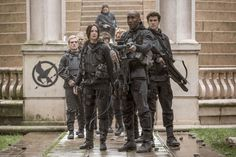 Review: The Hunger Games: Mockingjay Part 2 is an impressively ...