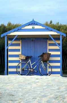 Cabana shed in french blue and white stripes - heaven! Foto Transfer, Beach Shack, Beach Cottages, Beach Houses, Coastal Living, Lakeside Living, Coastal Art, Shades Of Blue, Blue And White