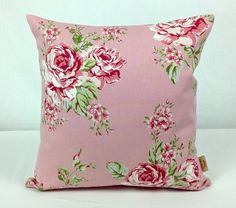This is for one 16 inch x 16 inch Pink English Rose double sided cushion cover. This cushion cover comes in a Pink English Rose fabric on both sides of the cushion cover. With an invisible zip which is at the bottom of the cushion cover, This give a st. Shabby Chic Throw Pillows, Pink Throw Pillows, Floral Pillows, Throw Pillow Cases, Pillow Covers, Shabby Chic Pink, Vintage Shabby Chic, Bee Design, Design Shop