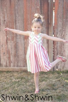 Shwin&Shwin: (straight) Lines&Angles Dress (free pattern)