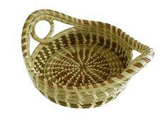 I love my Sweetgrass Basket! Types Of Weaving, Weaving Art, Making Baskets, Pine Needle Baskets, Nativity Crafts, Pine Needles, Little Boxes, Basket Weaving, Beadwork