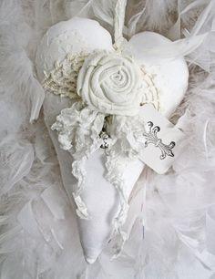 White fabric heart with linen flower sachet ♥ Fabric Hearts, Fabric Flowers, Decoration Shabby, Craft Projects, Projects To Try, Craft Ideas, Shabby Chic Hearts, I Love Heart, Lace Heart