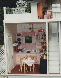 Grand Prize Winner - Nancye & Tom Fisher Modified English Cottage
