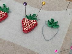 12 Awesome Paper Quilling Jewelry Designs To Start Today – Quilling Techniques Paper Quilling For Beginners, Paper Quilling Tutorial, Paper Quilling Flowers, Paper Quilling Cards, Paper Quilling Jewelry, Paper Quilling Designs, Quilling Techniques, Paper Jewelry, Quilling Ideas