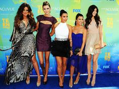 Kendall Jenner, Kim Kardashian,Kourtney Kardashian and Kyle Jenner Kourtney Kardashian, Kendall And Kourtney, Kardashian Style, Kardashian Jenner, Kendall Jenner, Kardashian Girls, Kyle Jenner, Kardashian Fashion, Teen Choice Awards