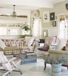 Shabby chic interior style is easy and inexpensive to achieve. Here are a few of the basic elements that make up a shabby chic interior style in your own home. Shabby Chic Vintage, Shabby Chic Stil, Estilo Shabby Chic, Shabby Chic Interiors, Shabby Chic Homes, Shabby Chic Decor, Rustic Decor, Rustic Chic, Rustic Colors