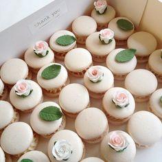 Wedding macarons | Nectar and Stone #nectarandstone
