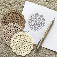 Sorry guyz for posting the pattern too late 😔 i was so busy the last few days 🙈 but i m back now 💪🏻❤️ crochet crochetaddict… Crochet Diy, Crochet Home, Crochet Gifts, Crochet Doilies, Crochet Flowers, Crochet Coaster Pattern, Crochet Motif Patterns, Crochet Diagram, Crochet Projects