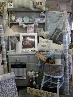 flea market display ideas | using shabby chic furniture to display vintage flea market stall items