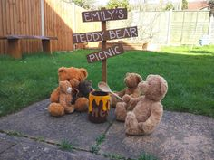 Bear's around a honey pot waiting for their spoonful of sticky yumminess! There's no better place than a Teddy Bear's Picnic!