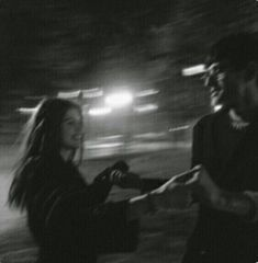 ✔ Cute Photos With Friends Vsco Relationship Goals Pictures, Cute Relationships, Couple Aesthetic, Aesthetic Pictures, Aesthetic Girl, Cute Couples Goals, Couple Goals, Friends Sketch, Photographie Portrait Inspiration