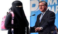 أستراليا تدرس منع طالبات المدارس المسلمات من ارتداء الحجاب: تنوي الحكومة الأسترالية منع طالبات المدارس المسلمات من ارتداء الحجاب أو البرقع…