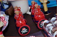 Tema: Jake e os Piratas   Local: Salão de Festas do Condomínio   Cerimonial Infantil Andréa Noki   Decoração: Candice Fragoso   Personaliza...