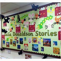 Julia Donaldson display Book Corner Eyfs, Book Corner Display, Preschool Displays, Classroom Displays, Class Displays, Library Displays, What The Ladybird Heard Activities, Julia Donaldson Books, Fall Preschool