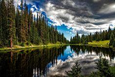 Lake irene 1679708 1280 / Clickasnap
