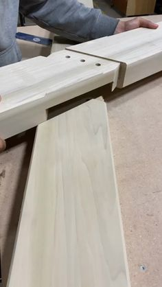Woodworking Guide, Custom Woodworking, Carpentry Projects, Wood Projects, Metal Bending Tools, Japanese Joinery, House Furniture Design, Wood Joinery, Diy Home Repair