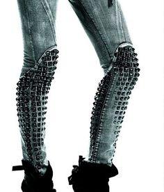 Studded leggings.. Están tan increíbles que quiero moriiiiiir! (Como diría Agnes en Despicable Me)