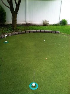 DIY Budget-Friendly Backyard Golf Green just in time for Father's Day!!!!! Handy Man, Backyard Games, Backyard Ideas, Outdoor Ideas, Backyard Putting Green, Golf Putting Green, Golf Green, Golf Room, Miniature Golf